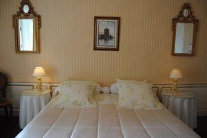 chambre-2-hotel-sainte-croix